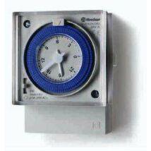 Finder Mechanikus kapcsolóóra, 1 váltóérintkező, heti program, 230 V